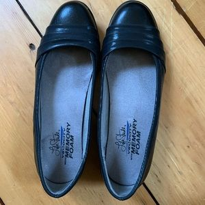 Life Stride Shoes - Size 6.5 flats with memory foam